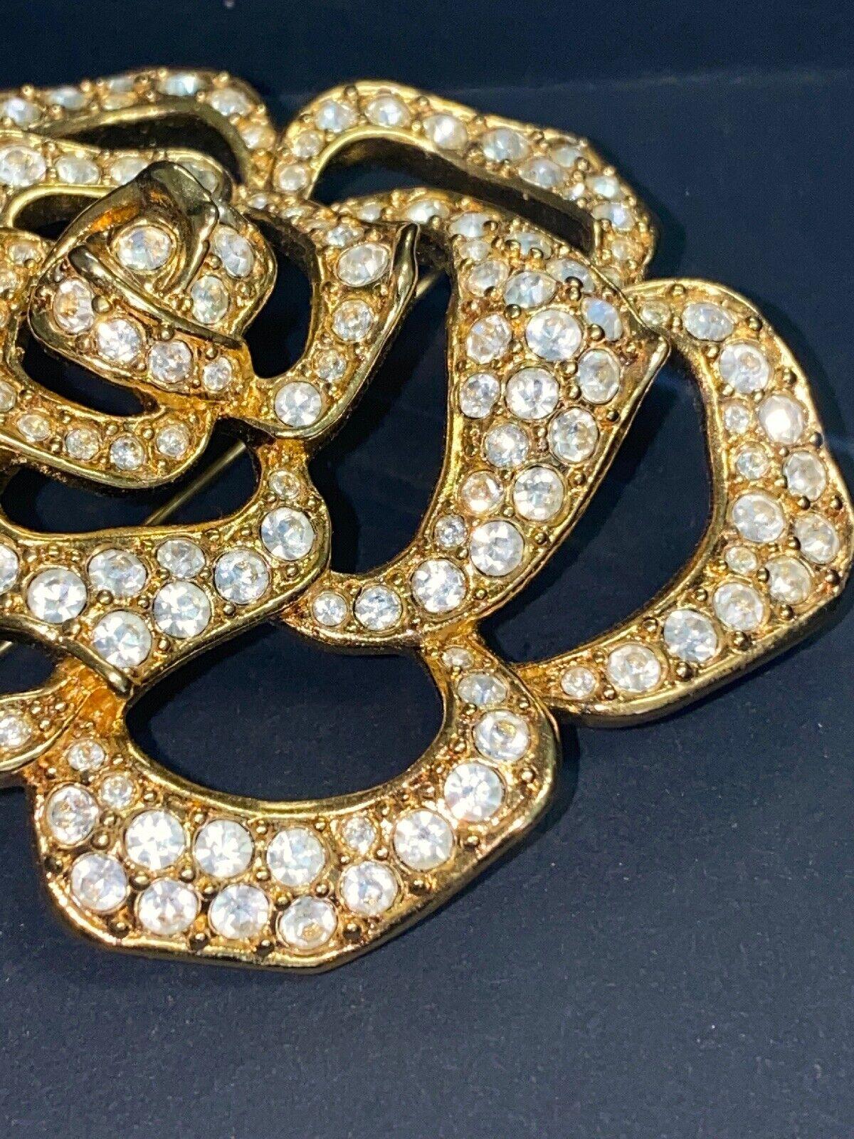 Vintage Elizabeth Taylor Crystal Paved Roze Pin - image 3