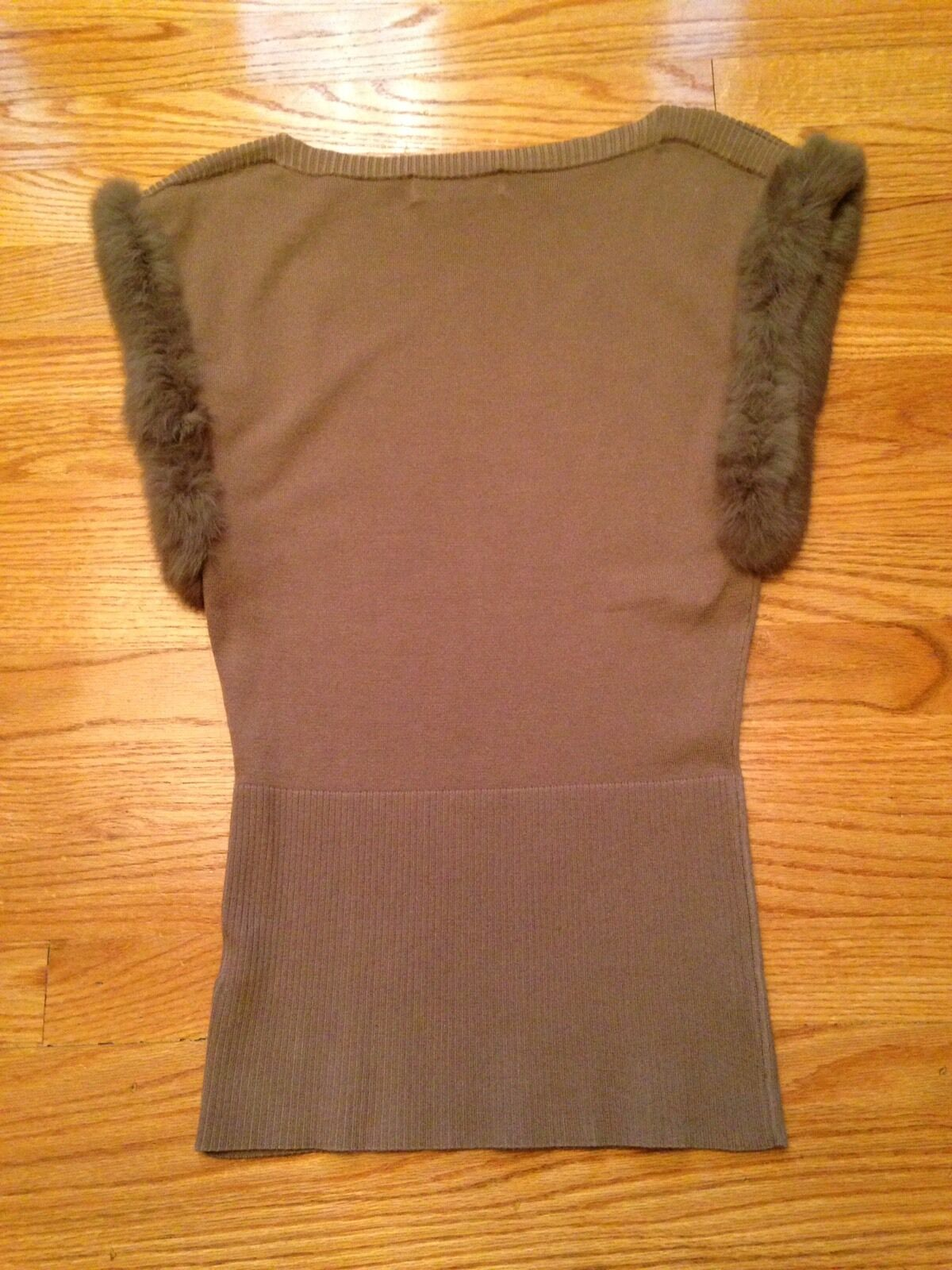 One 7 Six Lite braun  Sleeveless Top Trimmed In Faux Fur Größe S M