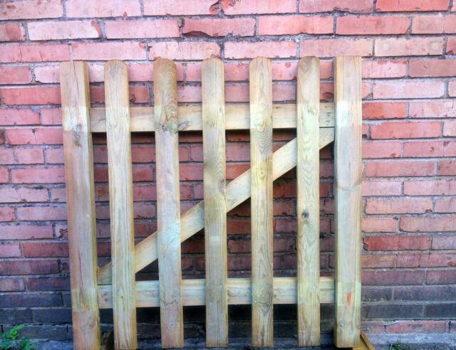 Cancello di legno cancelletto per steccato da esterni e for Cancelletti per cani da esterno