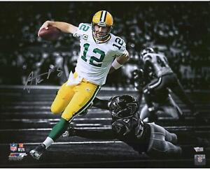 """Aaron Rodgers Green Bay Packers Signed 16"""" x 20"""" Touchdown Run Spotlight Photo"""