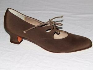 SALVATORE-FERRAGAMO-Made-in-Italy-Olive-Green-Canvas-Lace-Up-Pumps-Size-7-AAA