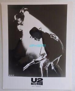 U2 RATTLE AND HUM OFFICIAL PRESS PHOTO PROMO BONO & THE EDGE - France - Couleur: Noir et blanc Origine: Amérique du Nord Format (cm): 20x27 - France