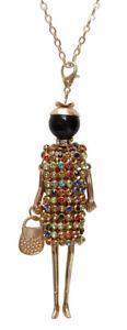 Collier-pendentif-poupee-avec-robe-et-strass-multicolores-acier-dore