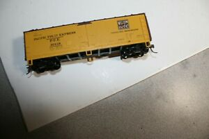 Athearn old time reefer plastic ho RTR box car yellow Western Pacific  P.F.E.