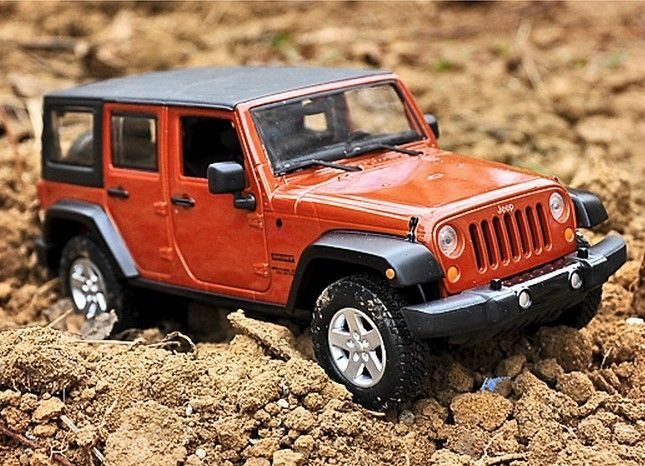 Maisto 1 24 2015 2015 2015 JEEP Wrangler Unlimited Diecast Metal Model SUV Car New orange 2c7310