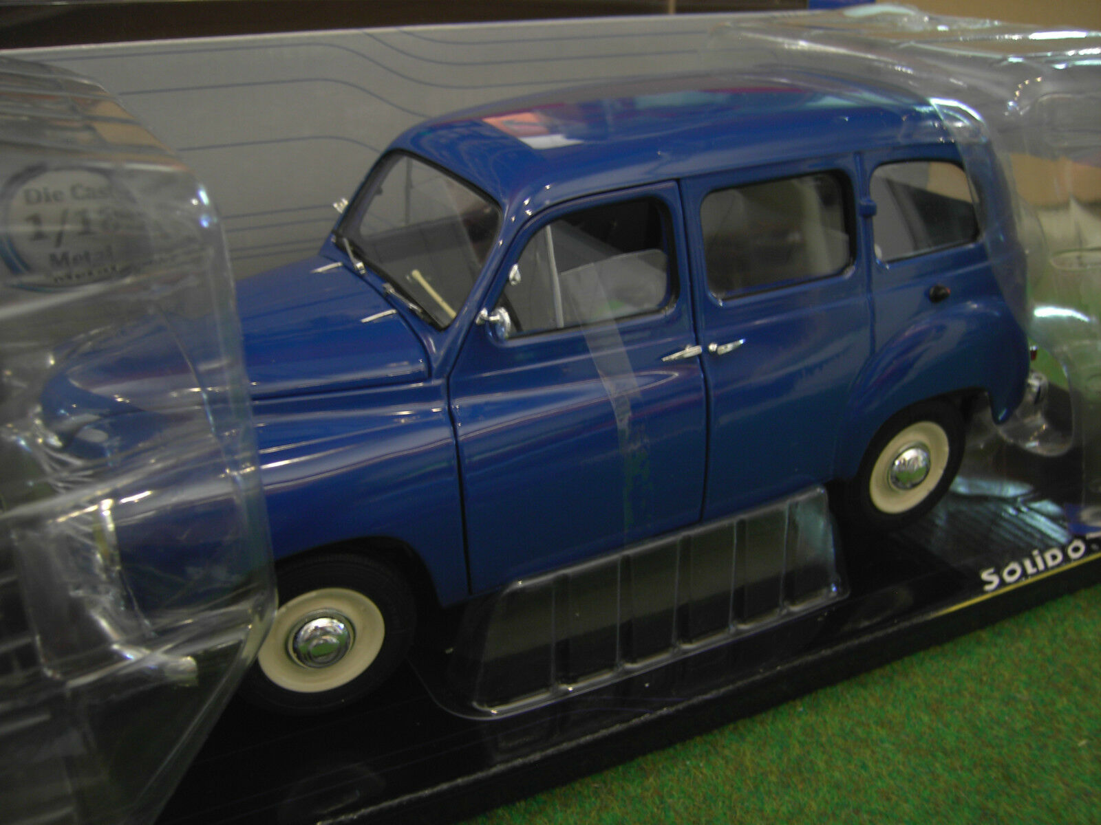 RENAULT COLORALE PRAIRIE 1953 1/18 SOLIDO 421183520 voiture miniature collection