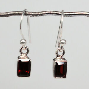 925-Sterling-Silver-Garnet-Gemstone-Earrings-Jewelry-1-75-gms-jewelry-CCI