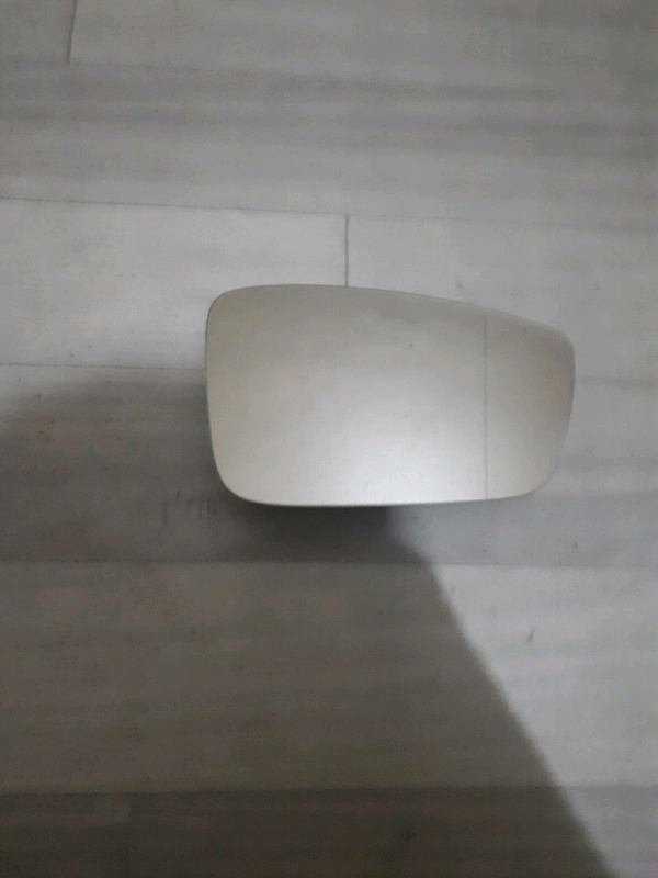 Polo 6 2010 right hand side mirror glass