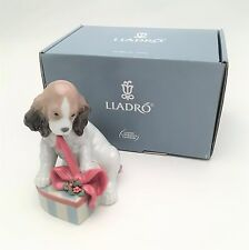 Vintage Lladro Porcelain Dog Figurine 8692 Can't Wait, Christmas Edition w/ Box