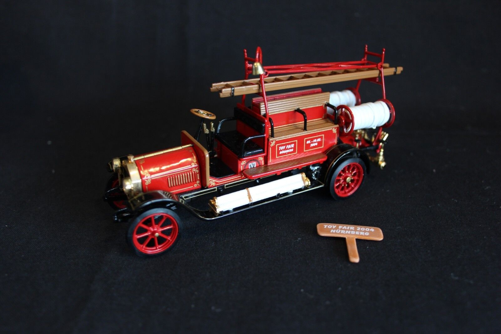 Matchbox Models of Yesteryear 1912 Mercedes-Benz Fire Engine  YFE-20  (JS)