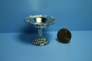 Dollhouse-Miniature-Silver-Decorative-Bowl-on-Pedestal-Stand-B1484