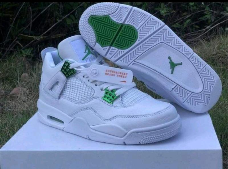 Jordan4 Retro:metallic pack sneakers new in boxes