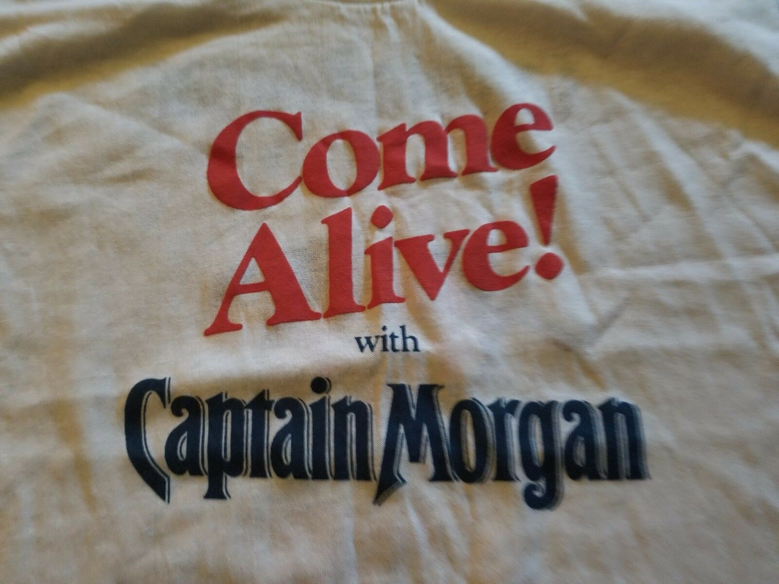 COME ALIVE WITH THE CAPTAIN VINTAGE 80S RUM TEE SHIRT UNUSED NICE MEDIUM