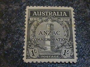 AUSTRALIA POSTAGE STAMP SG155 1/- LIGHTLY MOUNTED MINT