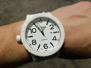 DAMAGED-Nixon-Mens-A147-12600-Ceramic-51-30-Analog-Display-Swiss-Automatic-Watch