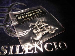 COLGANTE-HEROES-DEL-SILENCIO-RELIEVE-COLOR-PLATA-MERCHANDISE-AVALANCHA-1995