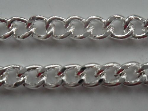 1 Metre x 7.6x5.3x1mm Thick Silver Plated Chain