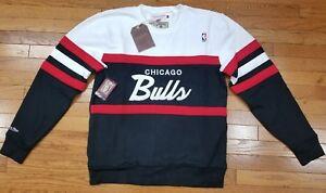 e088e9ec66857 Chicago Bulls Mitchell   Ness NBA Men s Head Coach Crew Sweatshirt ...