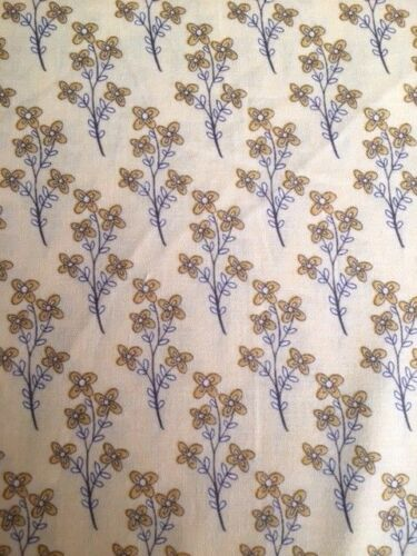 Yellow Y1514-8 Lt BTY Vintage Sunshine Fabric by Clothworks,100/% cotton