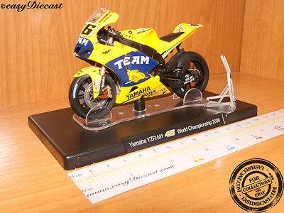 Modellino in Scala 1:18 Yamaha Valentino Rossi YZR M1 WC 2005
