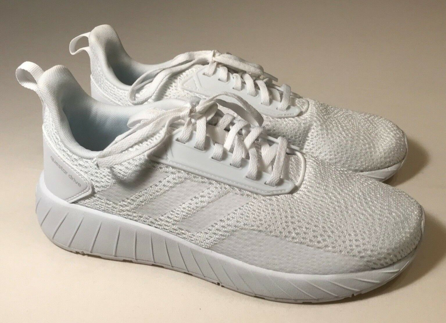 Adidas Questar Drive Ortholite Float White Athletic shoes Women Size 9.5, New