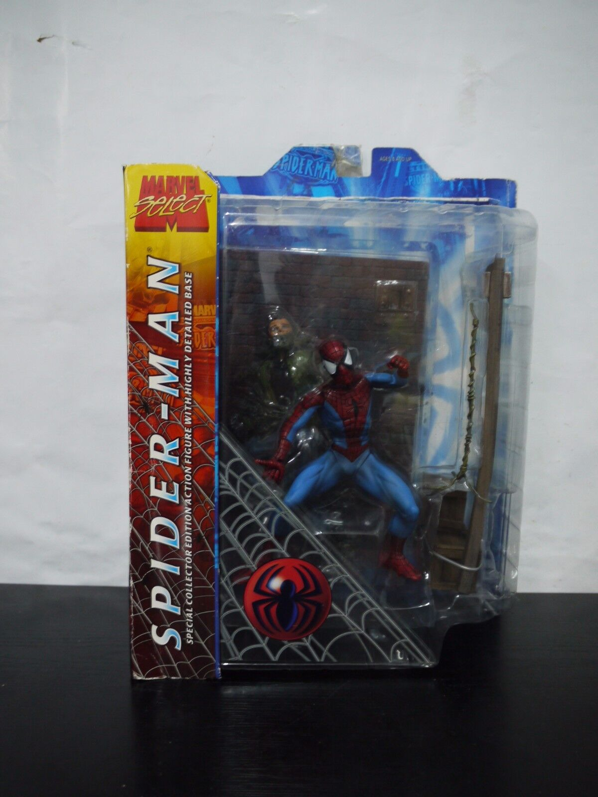 Marvel DIAMOND Select Spider-Man Spiderman SPECIAL COLLECTOR EDTION DAMAGED BOX