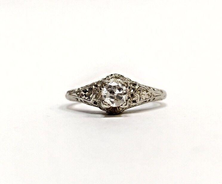 VINTAGE ART DECO .23 CARAT DIAMOND 18K WHITE gold ENGAGEMENT RING SIZE 6
