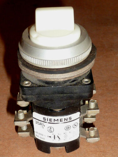 Siemens 3SR4 Pilot Light Switch 6A 380V