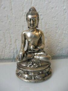 Sehr-schone-alte-Metallfigur-Buddha-versilbert