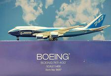 Hogan Wings 1:400 Boeing 747-400 Boeing House Color LI9697 + Herpa Wings Katalog