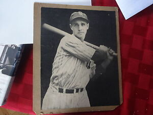 FRANK CROSETTI NEW YORK YANKEES SIGNED MAGAZINE PHOTO