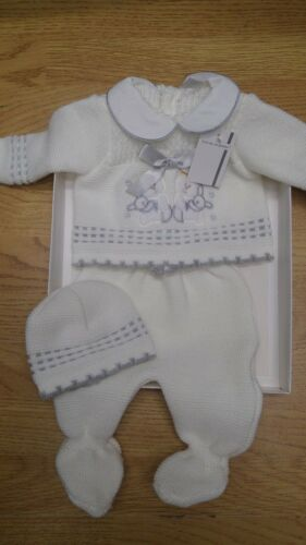 gorgeous Spanish  Baby  girls boys Knitted  3  pce  boxed  set newborn  white