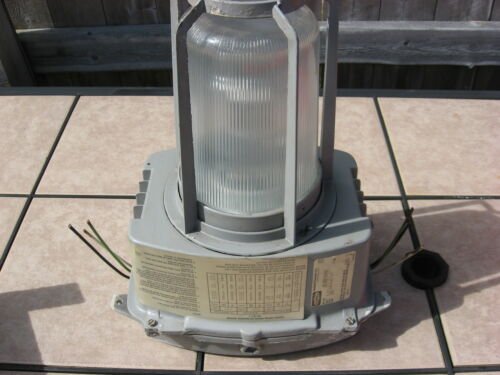 Hubbell Explosion Proof Lamp Light Fixture