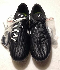 New Under Armour H2O Football/Soccer Cleats - Black/Gray - Size 10