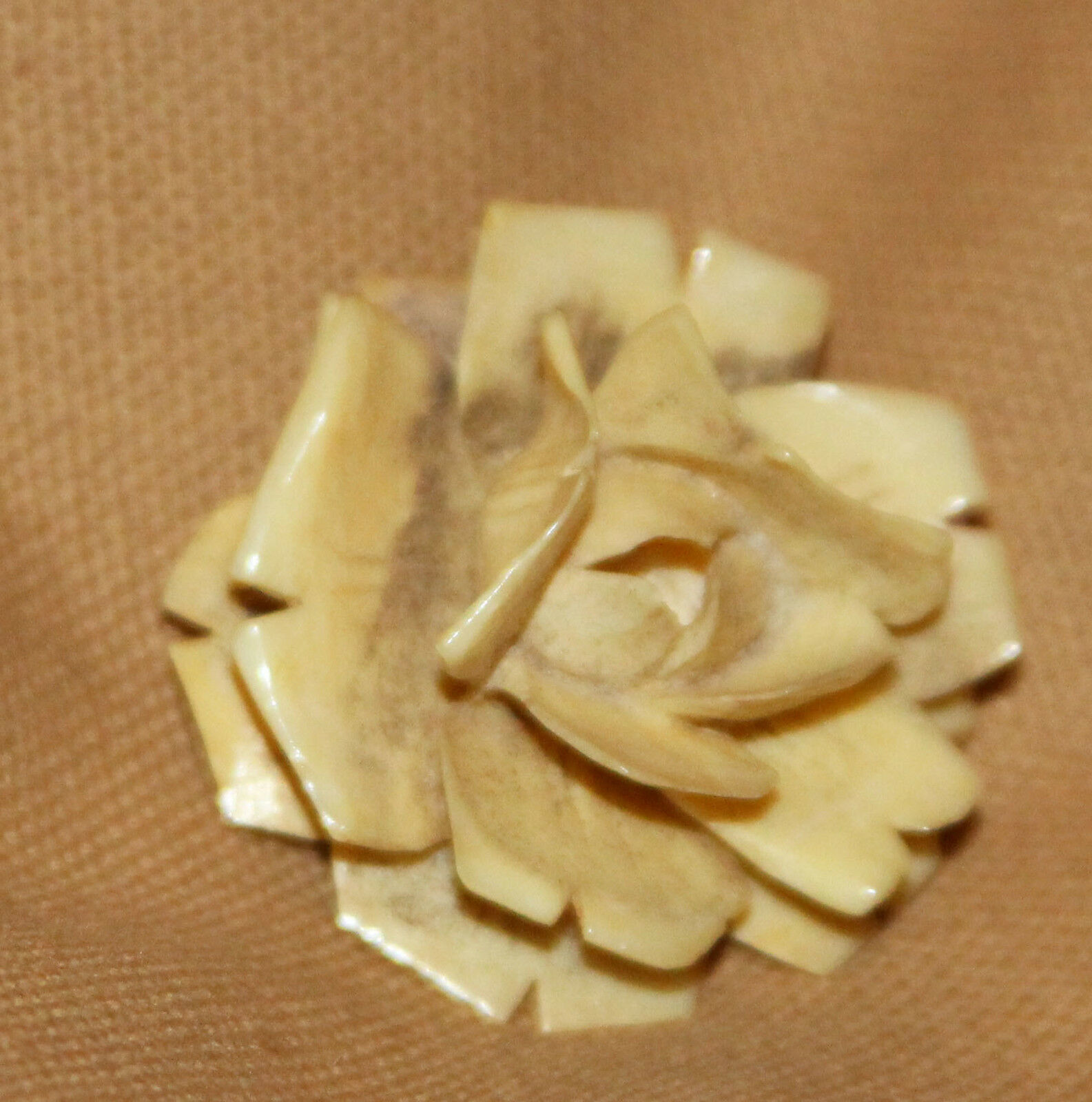 DELICATE FLOWER  CARVED PIN
