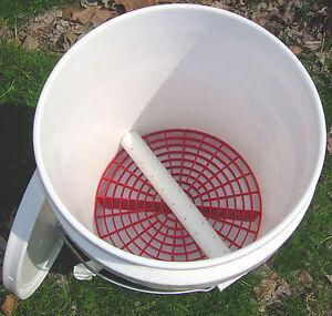 vermiculture worm composting bucket indoor no odor vented. Black Bedroom Furniture Sets. Home Design Ideas