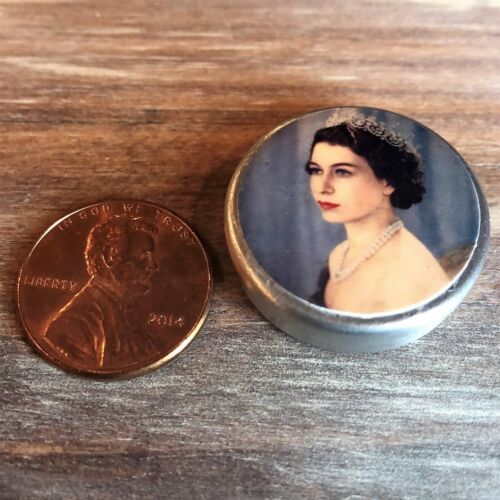 """Dollhouse miniature food 1:12 Replica Vintage /""""The Queen/"""" Tin //empty"""