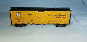 Athearn-HO-SCALE-SANTA-FE-SFRD-Steel-Door-Refrigerator-Boxcar-Train-Car-8293