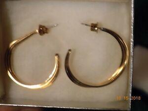 Avon-14k-gold-filled-triple-hoop-earrings-see-condition