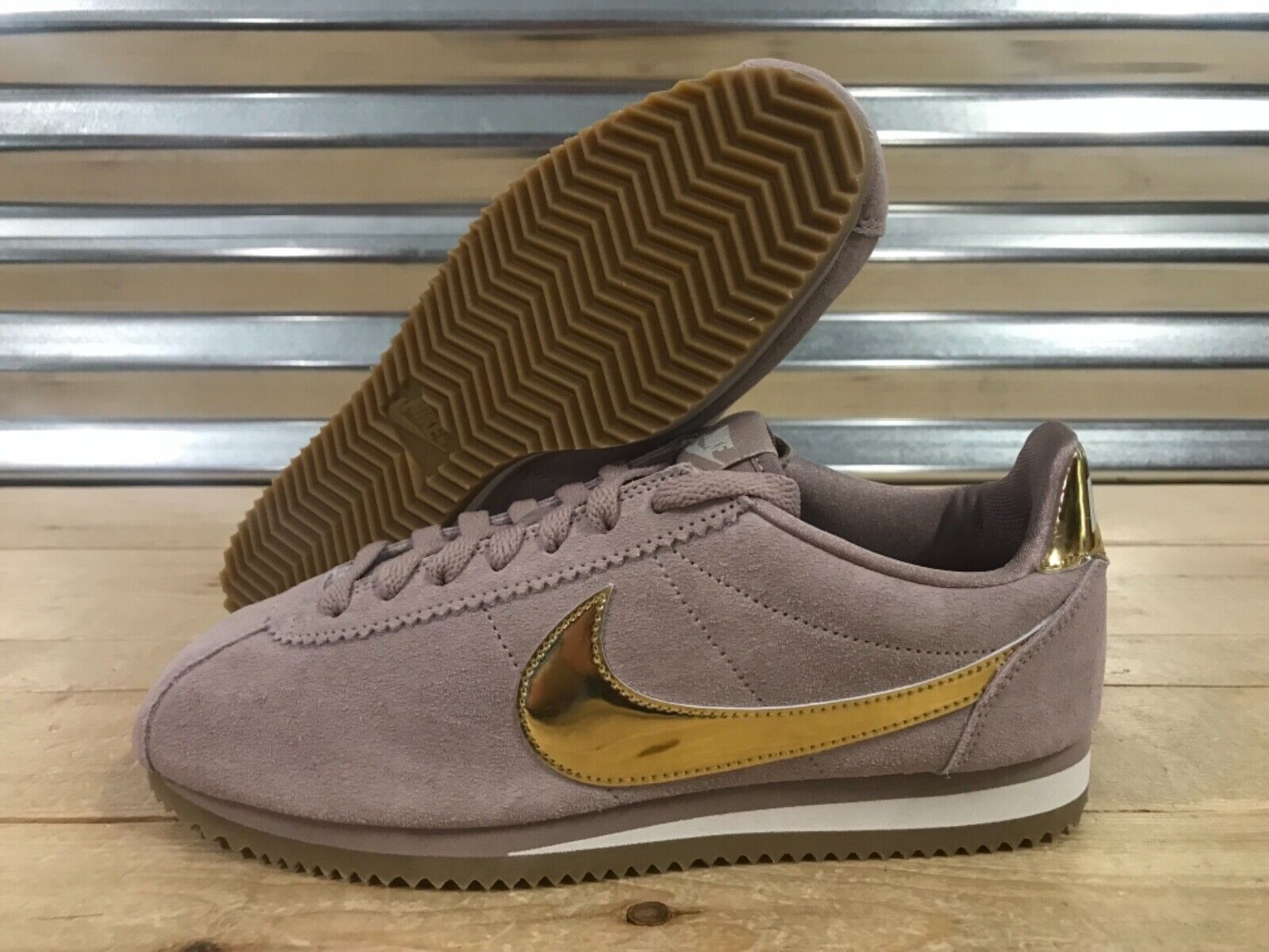 damen Nike Classic Cortez SE schuhe Diffused Taupe Mtlc Gold SZ ( 902856-204 )