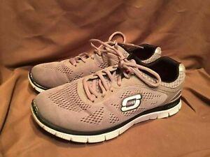 Preloved SKECHERS (SKECH KNIT) Sneakers