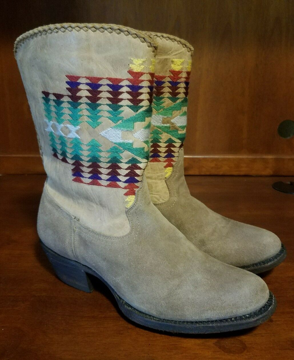Mujeres Caborca tan angustia Suede & Leather diseño tribal occidental botas