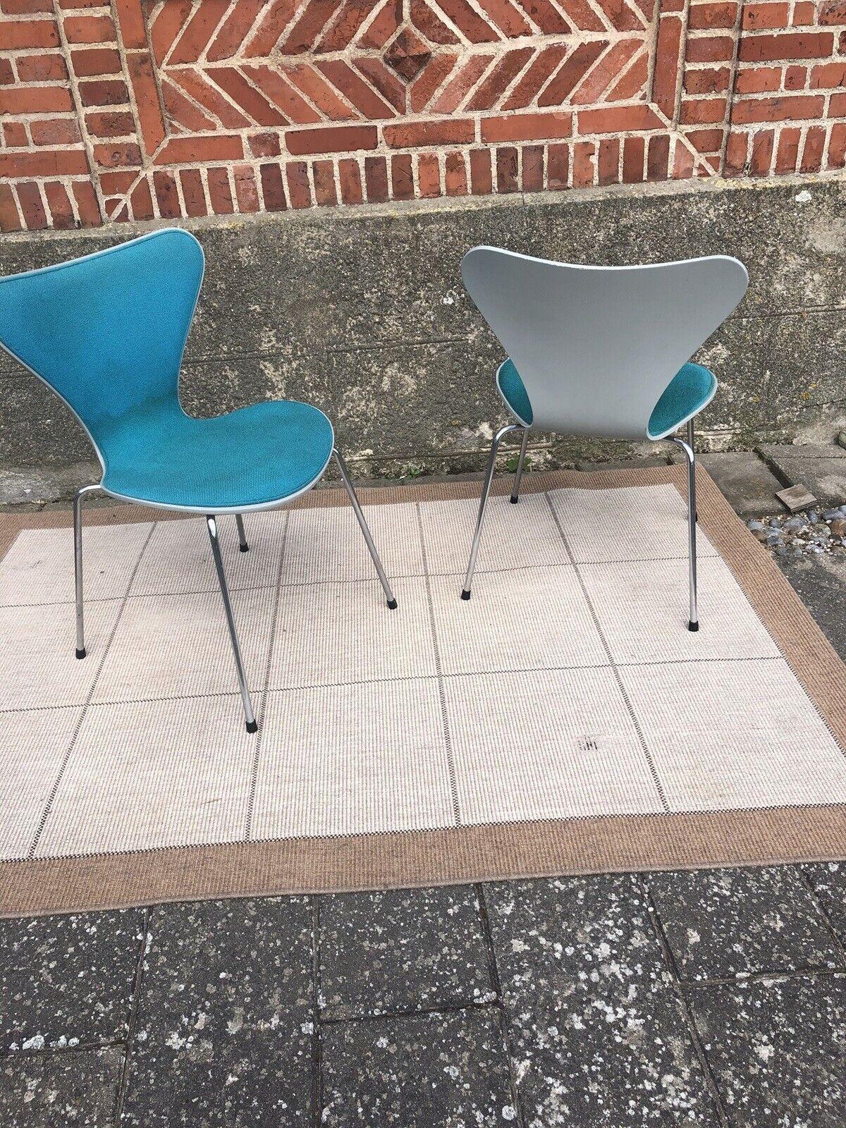Arne Jacobsen, 3107, 2 stk 7 stole