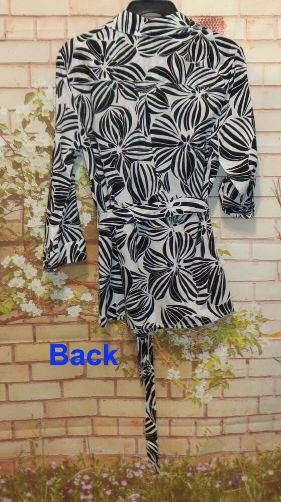 Black & White Tunic Blouse Top Wear 2 Ways 1 Top size S