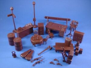 MARX-Freight-Gas-Station-Diner-Furniture-Passenger-Railroad-34-Pieces-RECAST