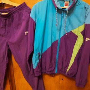 rare-vintage-Nike-track-suit-Size-M-tracksuit-Silver-tag-pants-jacket-retro