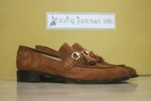 Mocassins en daim marron faits à la main et chaussures à enfiler