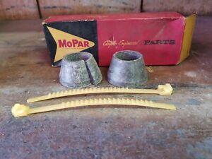 NOS-Mopar-1959-Torsion-bar-rear-anchor-seal-kit-2196067
