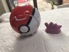 Tomy Pokemon Pokeball Throw 'N' Pop Ditto Poke et balle de Set Figure