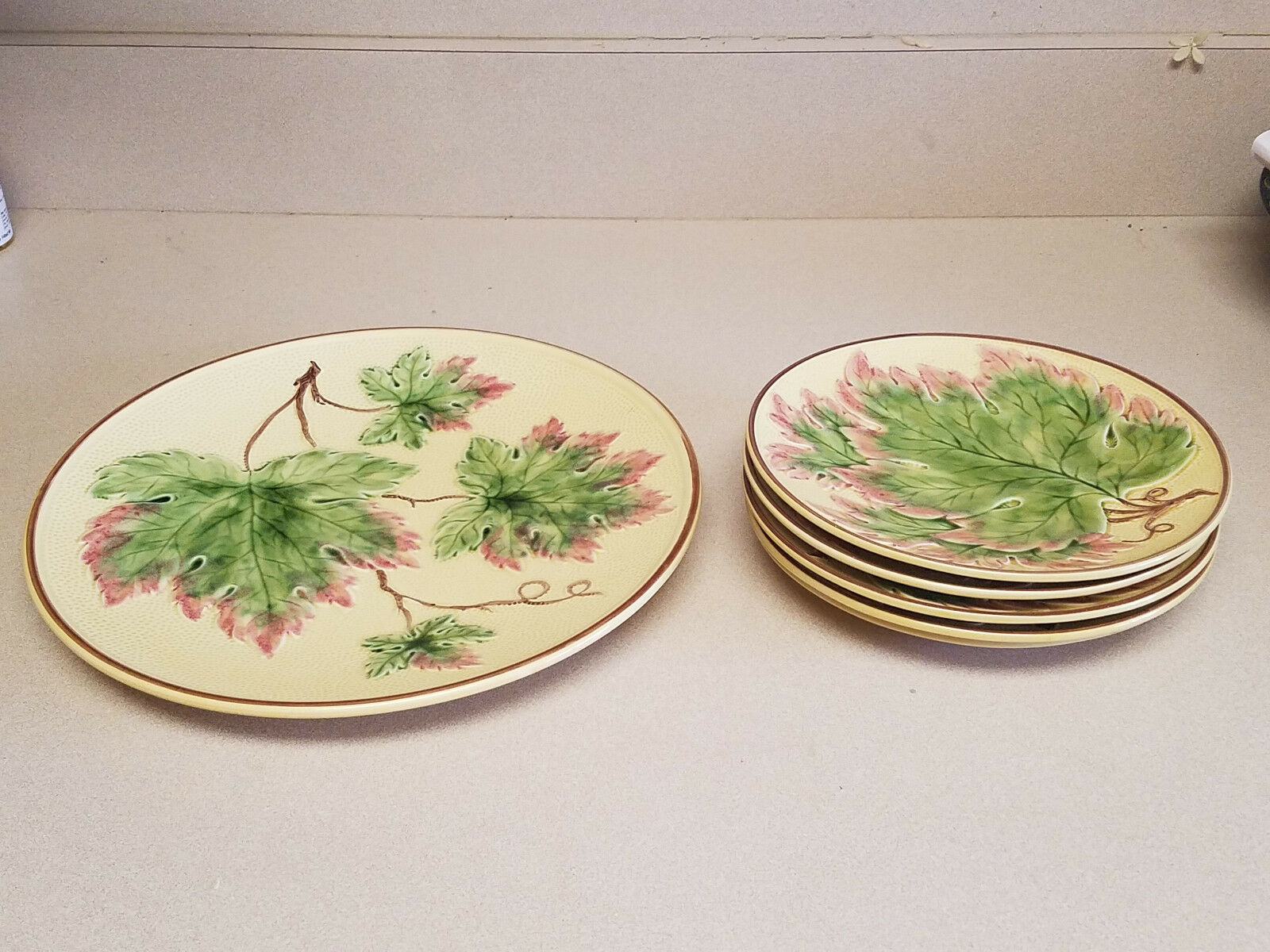 VINTAGE SET OF SIX (6) MAJOLICA POTTERY LEAF PLATES MADE IN GERMANY
